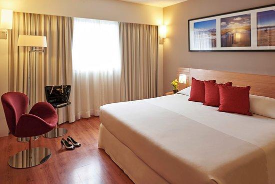 Novotel Lima San Isidro: Suíte Superior con cama de matrimonio