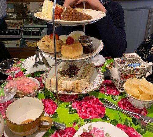 Shakespaw Cat Cafe: Afternoon tea