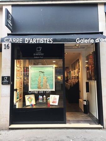 Devanture de la galerie Carré d'Artistes à Montmartre