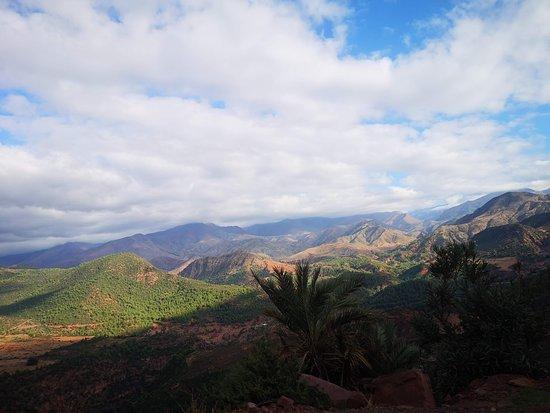 Travel Sahara Morocco: Medio Atlas
