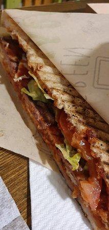 Megatoast con triplo burger senza glutine