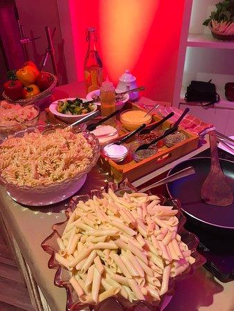 Pasta la vista✨🧡  #LiveCounterThrowback #FoodPorn #PastaFoLyf #Italian #food #romas #cafe #diner #varanasi #varanasidiaries #benaras #benarasi