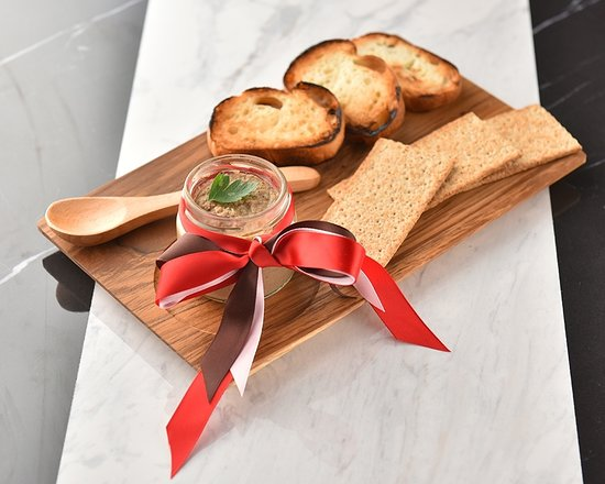 You can eat delicious food even at midnight. Liver pate