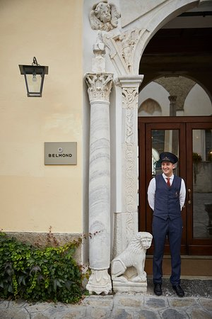 Belvedere Restaurant: The entrance to the hotel