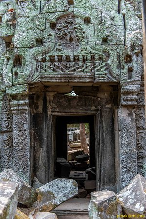 Angkor Wat Photography Workshops and Tours: Temple door at Ta Nei