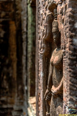 Angkor Wat Photography Workshops and Tours: Sunlight on apsara at the Ta Nei temple