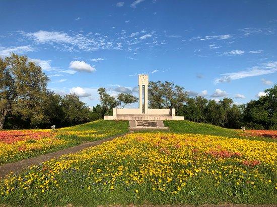 Fannin Memorial Monument