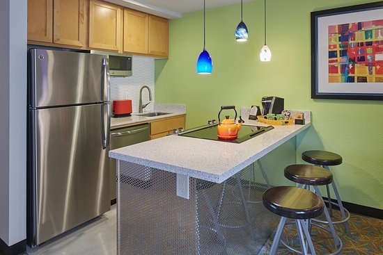 Your home away from home in Portland!  Enjoy a King Suite with fully-equipped kitchen featuring granite counter tops and stainless appliances.  Walk just a couple blocks to our local New Seasons Market for fresh local ingredients.  Come Sleep with Us!