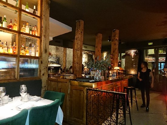Decadente: Fantastic moments. Great food, one of the best in Madrid.