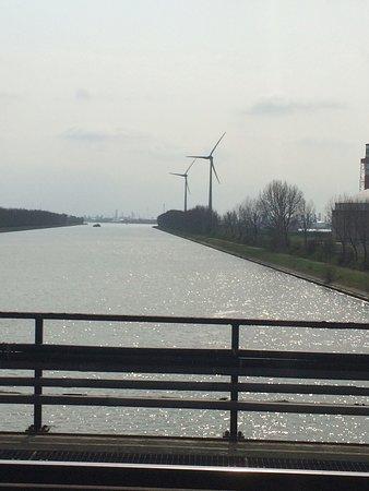 Zandvliet canal et central