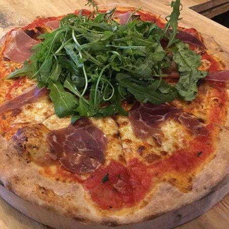 Parma ham rocket salad pizza