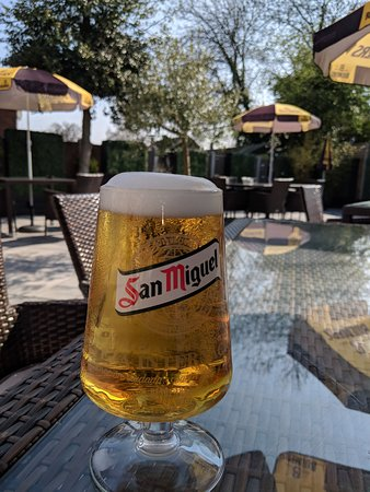 Enjoy a Refreshing cold pint of San Miguel in our lovely beer garden 😊