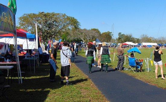Plantation, FL: Vendor area Scottish Festival