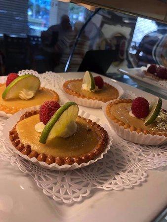 Lemon tartes
