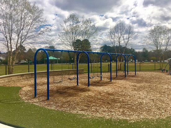 Lawrenceville, جورجيا: Tuesday At The Park