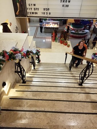 Royal Solaris Los Cabos: Steep stairs to the theater