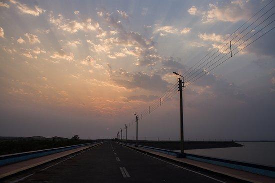 Bankura District, India: Kangshabati Dam Barrage  View Of Sunset