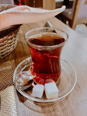 Royal house restaurant: Turkish tea