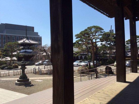 静かでとても素敵なお寺です