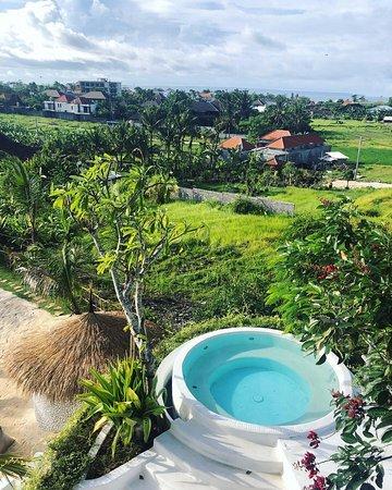 Jacuzzi Picture Of Kos One Hostel Canggu Village Accommodation Tripadvisor