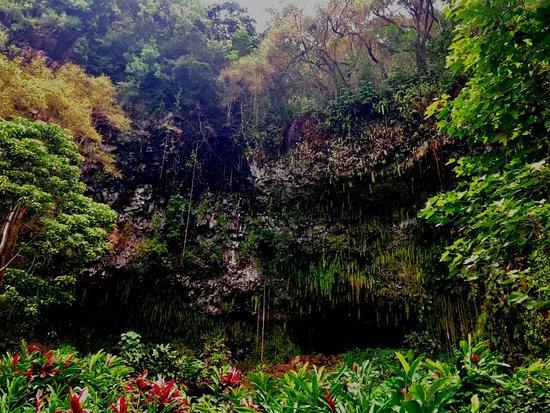 Kealia, HI: The Grotto.