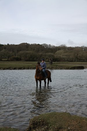 Ogmore-by-Sea, UK: Cooling off in the river Ogmore after a hack.