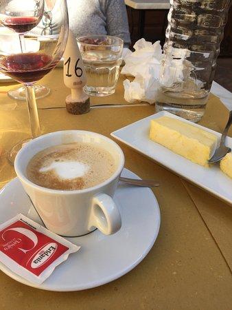 Trattoria Latte di Luna: Delightful desert, coffee latte and vanilla ice cream.