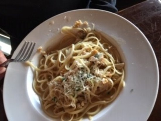 Linguini with clams - not so good - chewy clams and not much flavor