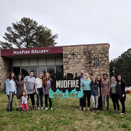 Decatur, Géorgie: Some of our team of instructors for date nights and membership at MudFire.