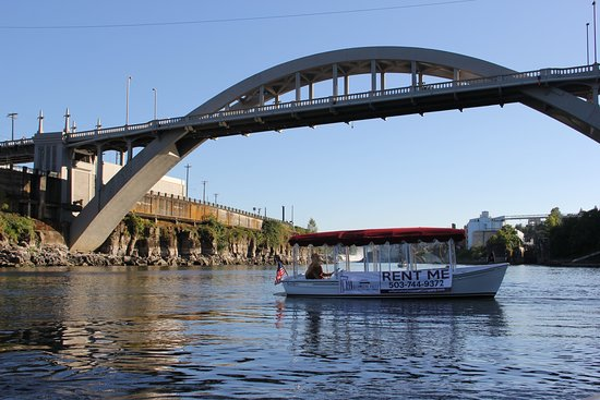 Oregon City, OR: View the historic Willamette River and Willamette Falls from an eco-friendly boat.