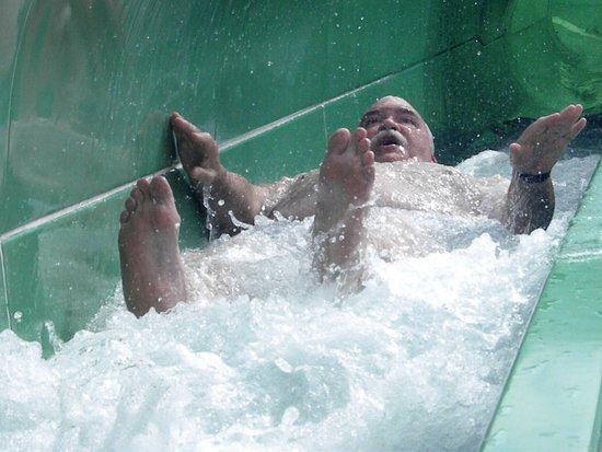 Carnival Spirit: Fun on the water slide