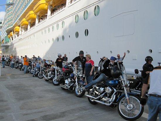 Grandeur of the Seas: Harley cruise St Marten