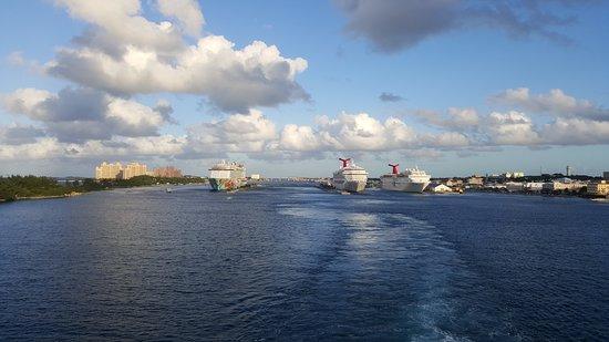 Carnival Pride: Leaving Nassau