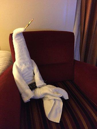 Brilliance of the Seas: Fun cabin towel creature, sitting with remote