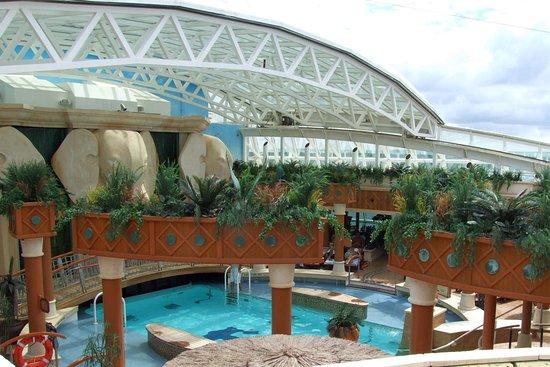 Radiance of the Seas: Serenity Pool