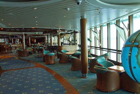 Radiance of the Seas: Bar on Deck 6