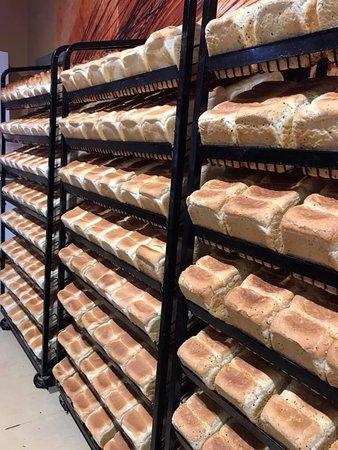 Daves's Bakehouse: Bread baked fresh EVERYDAY