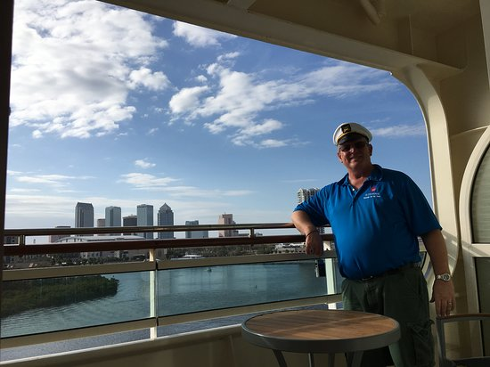 Vision of the Seas: Our balcony was large and easily accessible with the wheelchair.