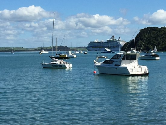 Explorer of the Seas: Historic Russel in Bay of Islands - Ship tethered out in the Bay