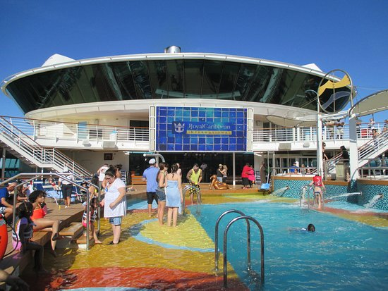Brilliance of the Seas: The main pool area and the big screen. Didnt spend any time there.
