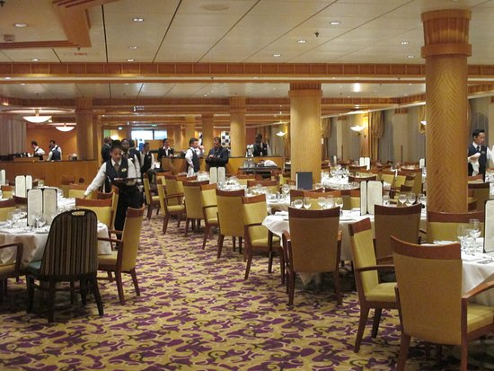 Brilliance of the Seas: The Minstrel dining room.