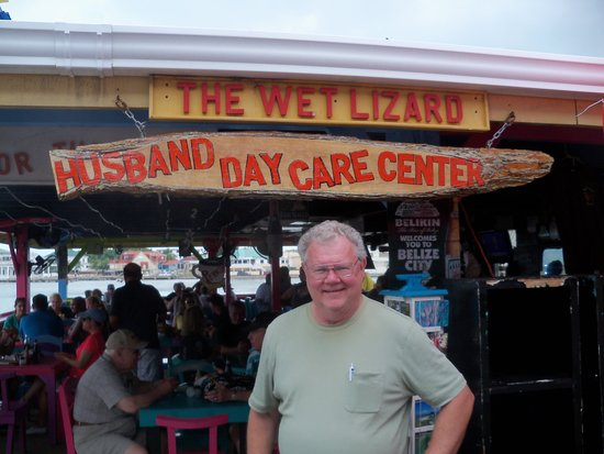 Norwegian Dawn: Yours truly at Belize City