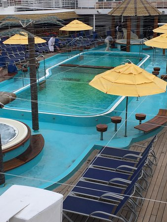 """Carnival Imagination: the closed, green """"pool"""""""