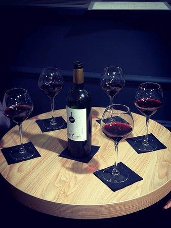 L'Epsilon, Restaurant et bar à vins