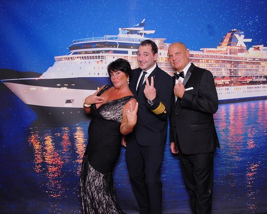 "Celebrity Summit: First Evening Chic and ""meet and greet"" with Captain Alex"