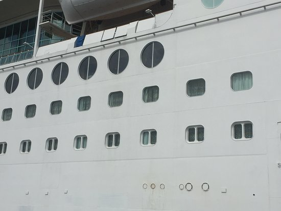 Enchantment of the Seas: Second row of windows are outside deck 4 Third row is outside deck 3  Noti