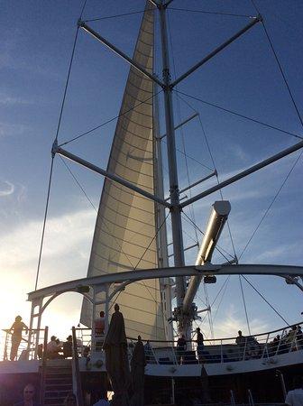Wind Spirit: Sails up!