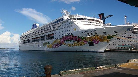 Norwegian Sky: Ship in port