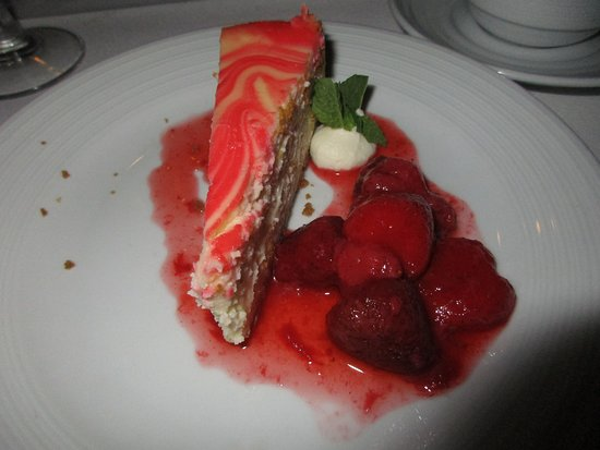 Majesty of the Seas: ahhh - dessert - strawberry cheesecake - very good