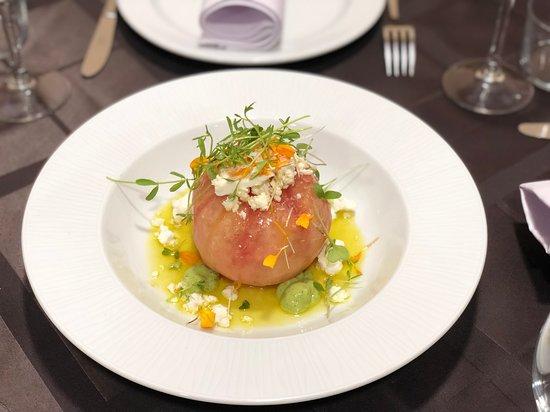San Isidro, สเปน: Tomate aliñado con queso fresco local,mojo  y albahaca !!!